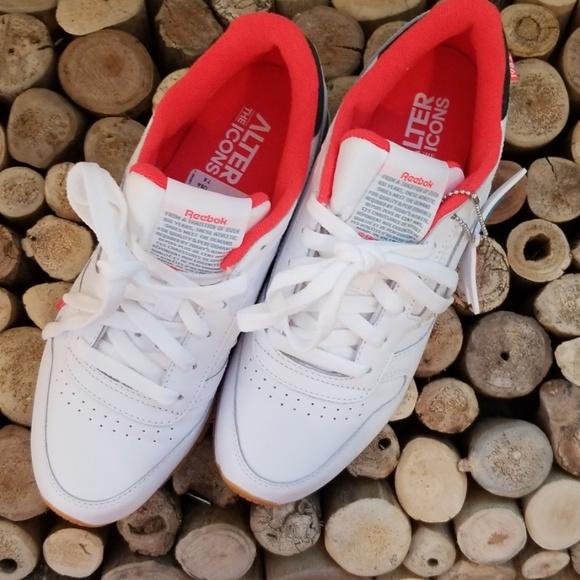 fc64ff6bc3f9d Reebok Shoes - Reebok Classic leather